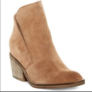 Dolce Vita Teague suede brown boots